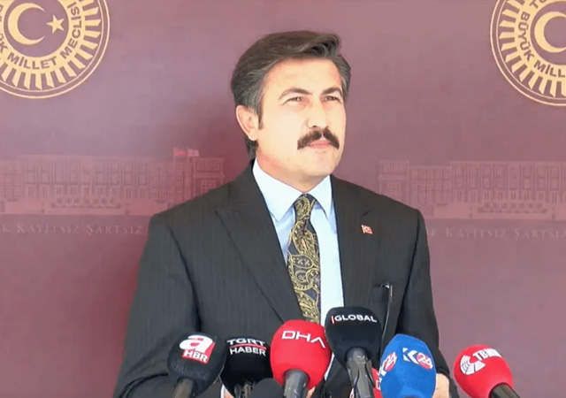 AK Partili Özkan'dan sosyal medya düzenlemesi açıklaması
