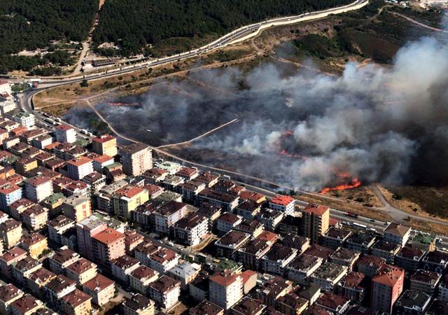 İstanbul Maltepe'de askeri alanda yangın