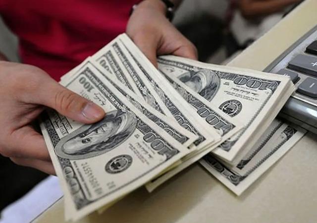 Dolar güne 6.92 seviyesinde başladı