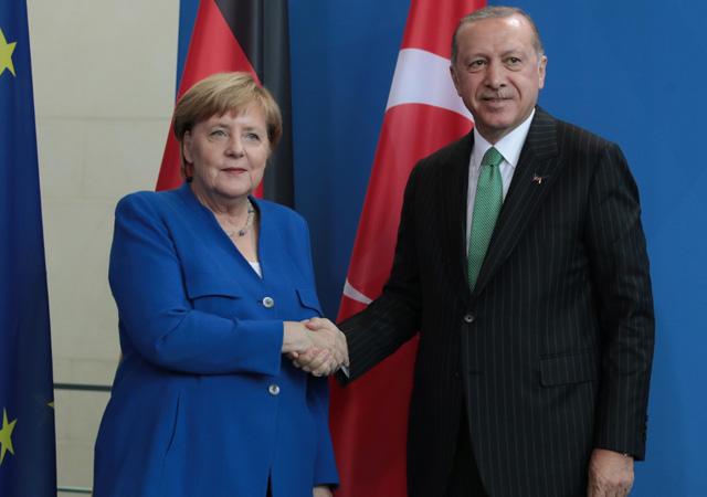 Erdoğan, Merkel ile telefonda görüştü