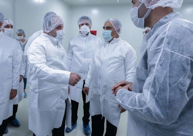 Varank: Türkiye'nin 3 aşı projesi insan denemeleri aşamasında