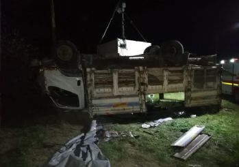 Van'da sığınmacıları taşıyan kamyon devrildi: En az 5 ölü, 37 yaralı