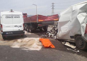 İzmir'de korkunç kaza: 1 kişi hayatını kaybetti