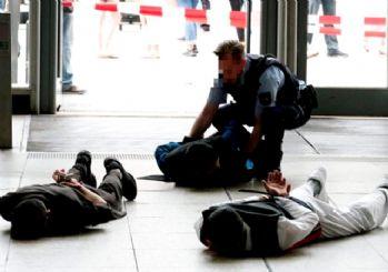 Alman polisinden Müslüman gençlere 'terörist' muamelesi