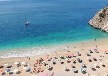 Antalya'da Suriyelilere plaj yasağı
