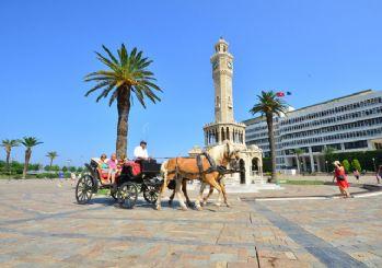 İzmir'de faytonlar kaldırılıyor