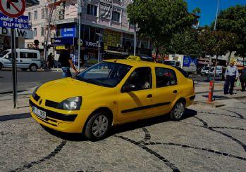 Turistleri dolandıran taksicilere operasyon: 25 gözaltı kararı!