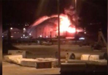 Aliağa'da gemi yangını: 1 ölü, 12 yaralı