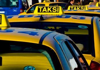 Turistleri dolandırdığı iddia edilen taksiciler serbest bırakıldı