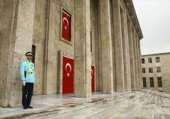 Kuvvet komutanlarına Meclis'te şeref kapısı yasağı