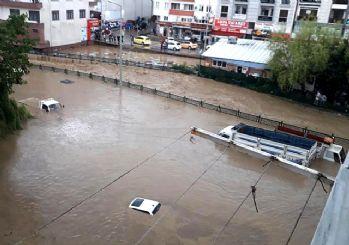 Düzce'de sel alarmı! Böyle kurtarıldılar