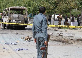 Afganistan'da otobüse bombalı saldırı: 32 kişi yaşamını yitirdi