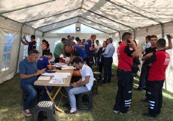 Denizli'de deprem: Depremzedeler için çadırlar kuruluyor
