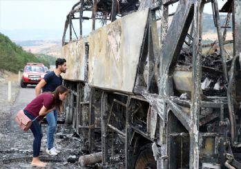 Yine yolcu otobüsü yandı! TEM'de seyir halinde cayır cayır yandı