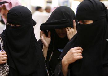 Suudi Arabistanlı kadınlar artık izinsiz seyahat edebilecek