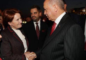Meral Akşener, Cumhurbaşkanı Erdoğan'la tokalaştı