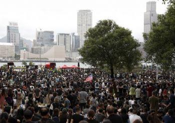 Hong Kong yönetimi yasa tasarısını geri çekiyor!