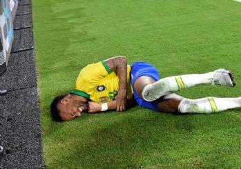 Neymar reklam panolarına çarptı!