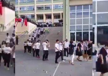 Kadıköy Anadolu Lisesi'ndeki bu görüntülere tepki yağdı