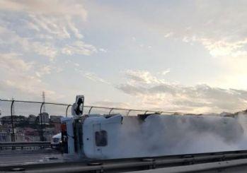 TEM Altınşehir'de tanker devrildi!