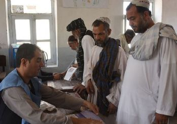 Afganistan'da seçim günü bombalı saldırı!