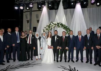 Siyaset ve iş dünyası bu düğünde buluştu!