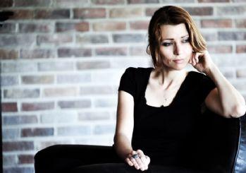 Netflix, Elif Şafak'ın 'Aşk' romanın haklarını aldığını duyurdu