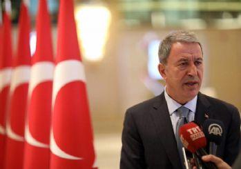 Hulusi Akar: Teröristler çekilmezse harekat devam eder