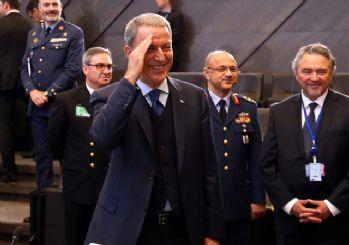 Hulusu Akar'dan NATO'da asker selamı