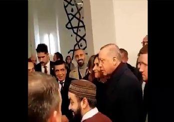 Erdoğan, camide 'I love you man' diyen kişiye İngilizce karşılık verdi: I love you