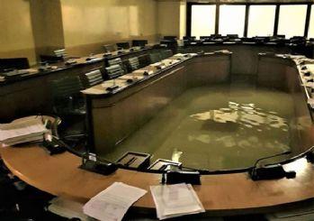 İklim önergesi reddedildi, parlamentoyu su bastı!