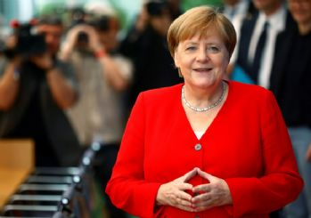 Merkel: Türkiye NATO içinde tutulmalı