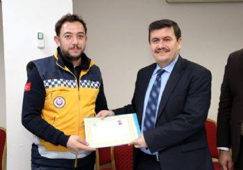 Ambulansı kirletmek istemeyen Türk askeri