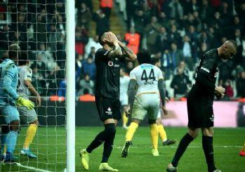 Beşiktaş Malatyaspor karşısında son dakikalarda dağıldı! 2-0