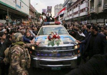 Kasım Süleymani'nin cenazesi İran'da! Amerikan araçları ile taşındı