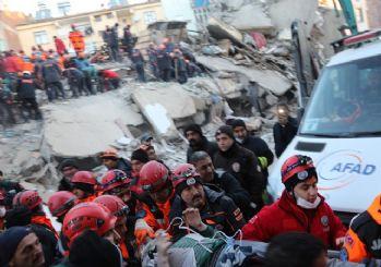 Elazığ'da hamile kadın 12 saat sonra kurtarıldı