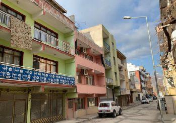 İzmir'de Suriyeli hamile kadın ve oğlu evlerinde ölü bulundu