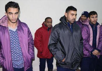 Yunanistan göçmenleri demir çubukla döverek geri gönderiyor