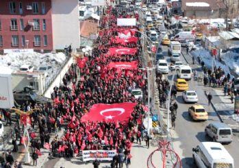 Hakkarililer, İdlib şehitleri için yürüdü
