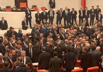 Ak Parti ve CHP'li vekiller kavga etti: TBMM'de kavgaya uçarak giren vekil
