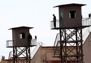 Cezaevlerinde alınan tedbirler iki hafta uzatıldı