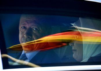 Almanya: Erdoğan'a diz çökmeyelim!