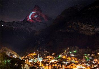 İsviçre Alpleri al bayrağa büründü