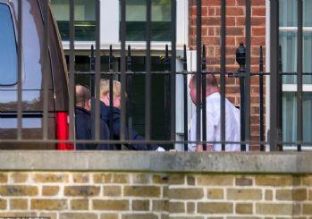 Boris Johnson 22 gün sonra görevine döndü