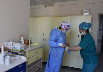 İzmir'de koronavirüse yakalanan sağlık çalışanı sayısı 466'ya yükseldi
