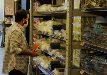 İstanbul'da 1 liralık maske satışı başladı