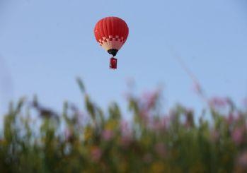 Türkiye'nin 'yerli ve milli' ilk sıcak hava balonu Atatürk ve Türk Bayrağı ile havalandı