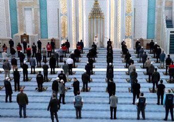 Ankara'da sınırlı sayıda bayram namazı