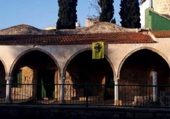 Camiye Bizans bayrağı astılar!