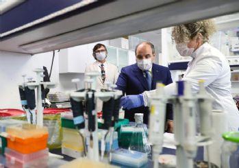 Bakan Varank'tan ilaç açıklaması: Bugünden itibaren hayvan deneyleri başlıyor